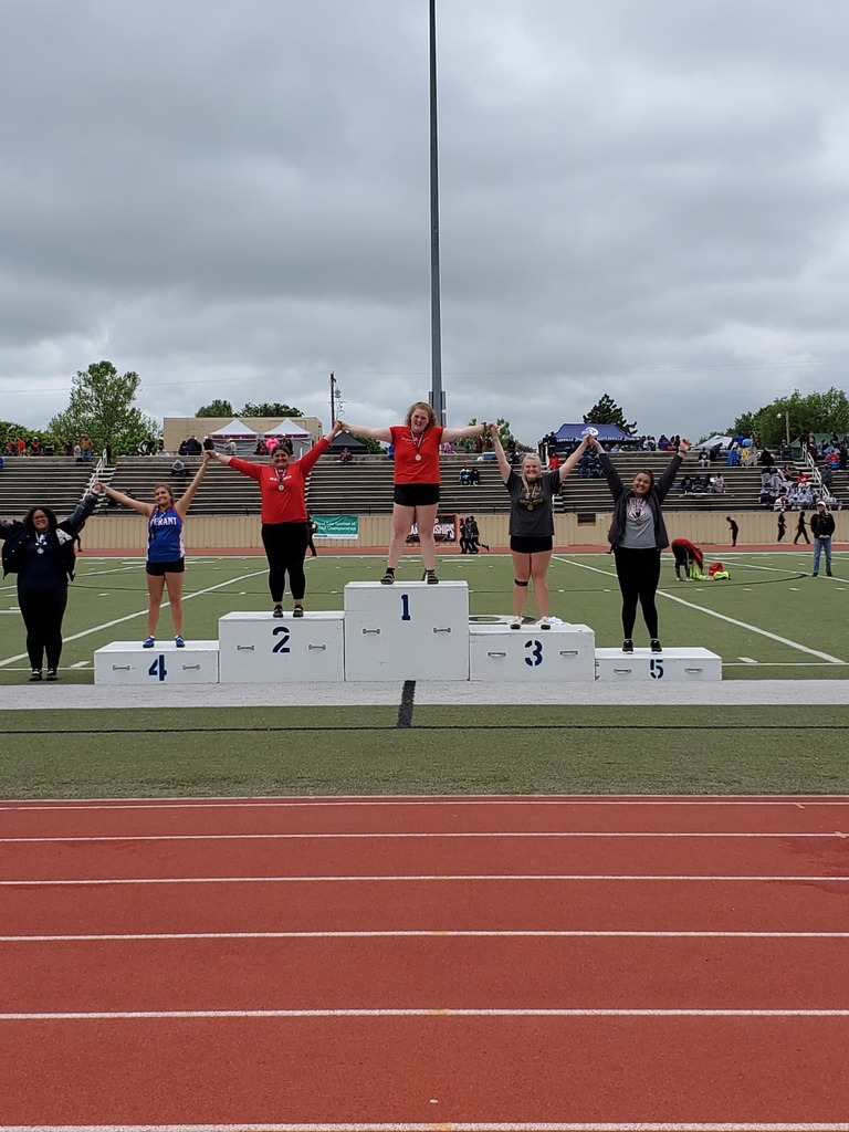 Machenzie Robinson places 2nd in shot